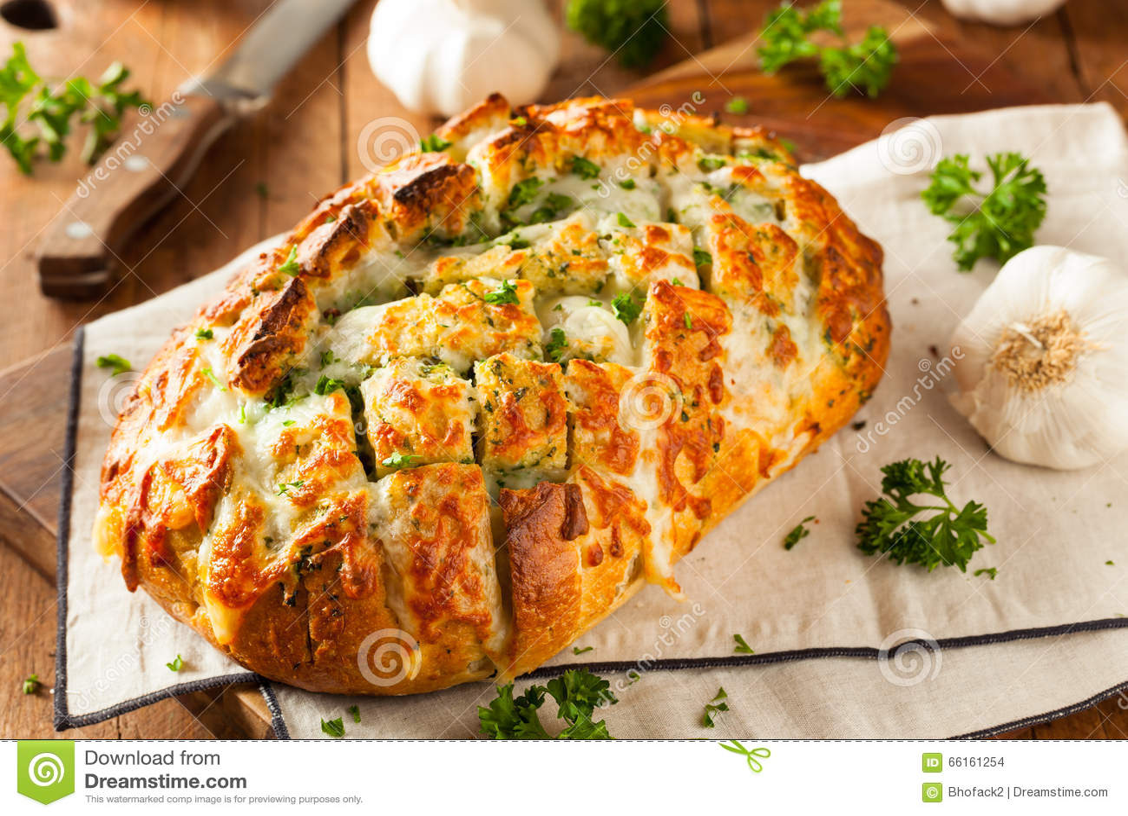 Pan separado del tirón caseoso hecho en casa