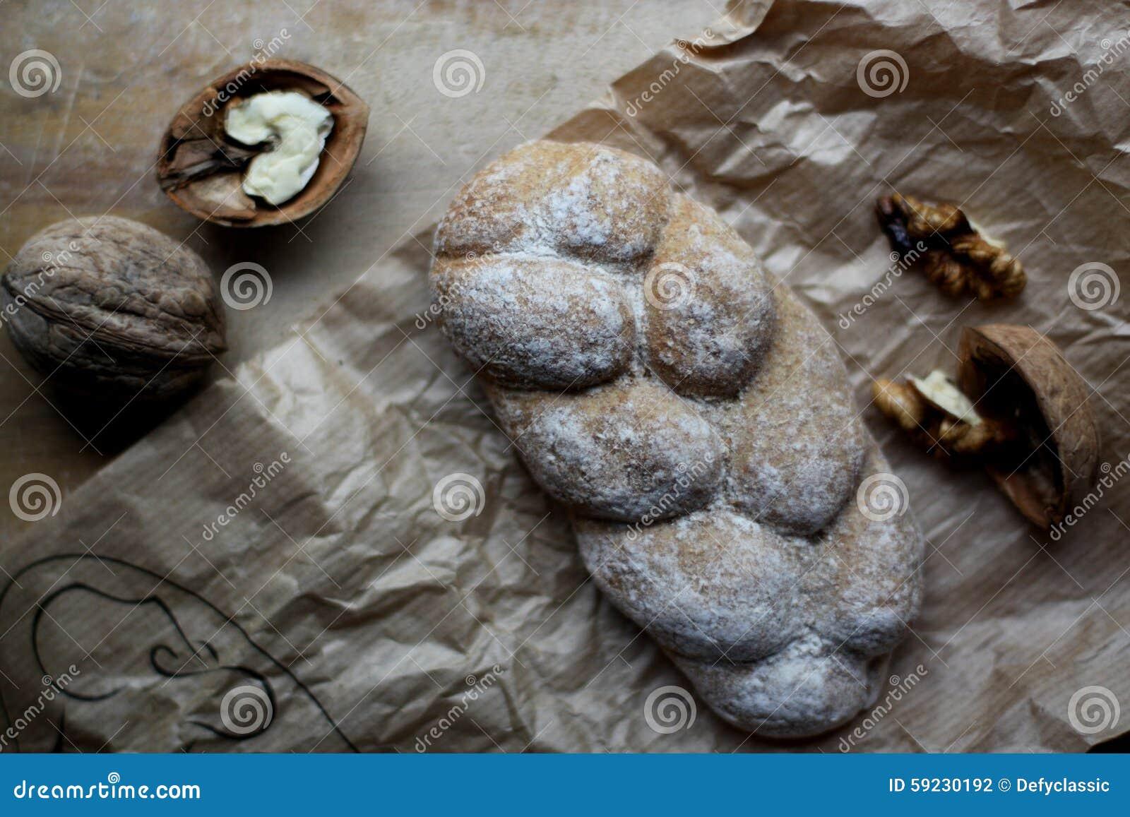 Download Pan y nueces foto de archivo. Imagen de cosecha, panadero - 59230192