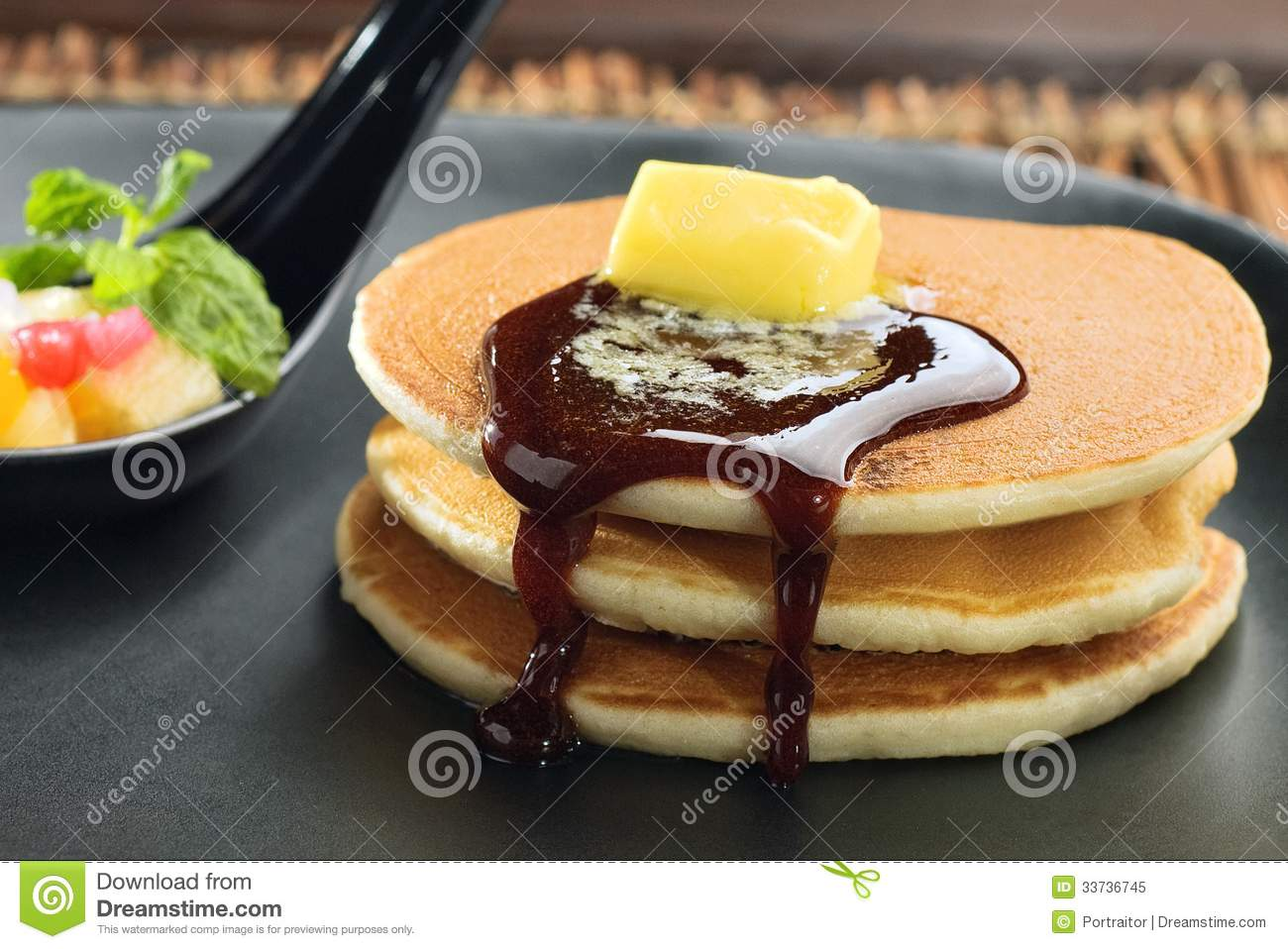 Pancake with honey and butter