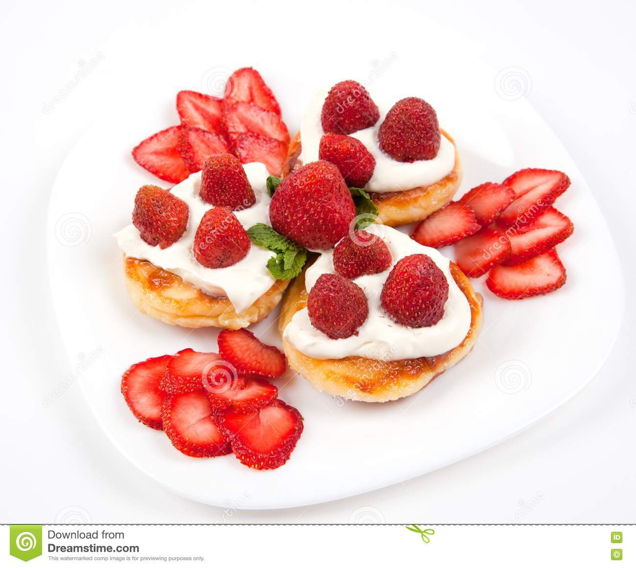 Pancakes With Strawberries And Cream Stock Images - Image: 20009434