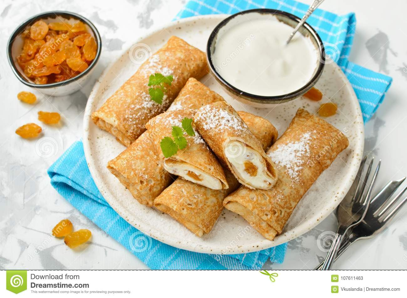 Stuffed pancakes - a delicious dish of Russian cuisine 1