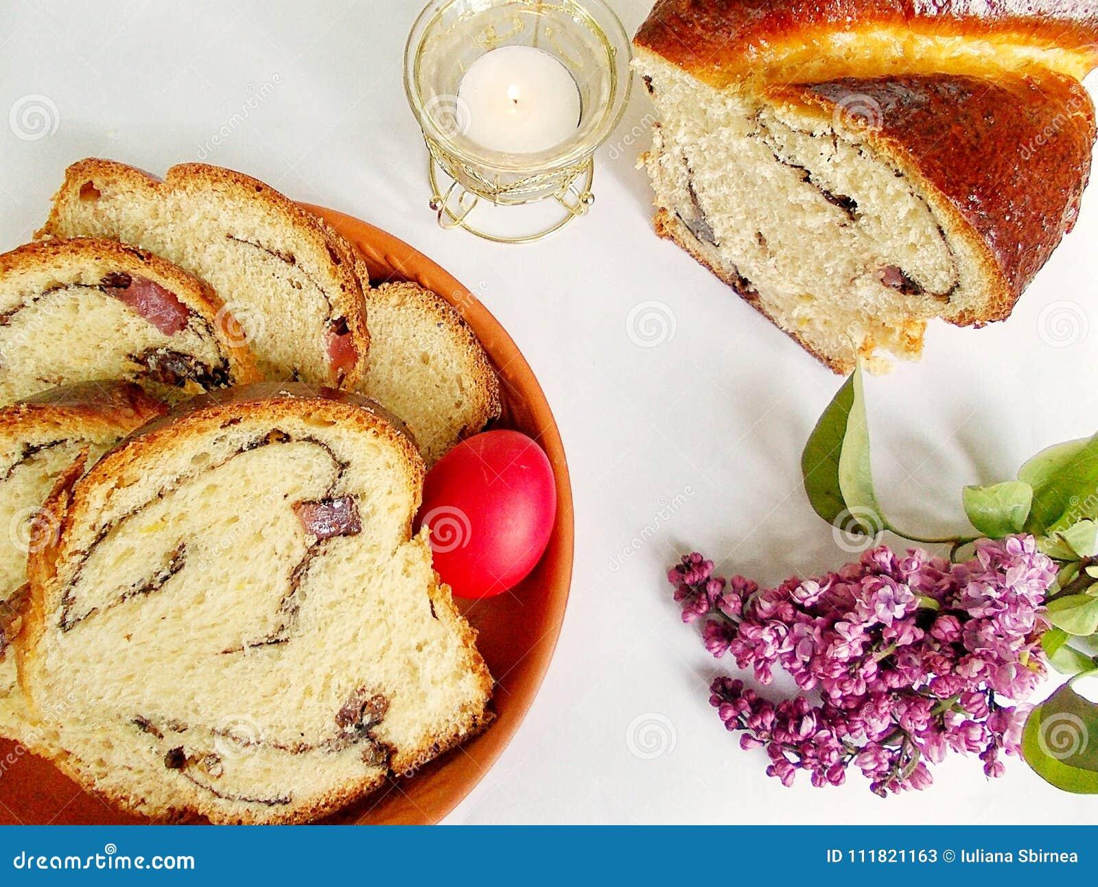 Pane dolce di Pasqua, cozonac