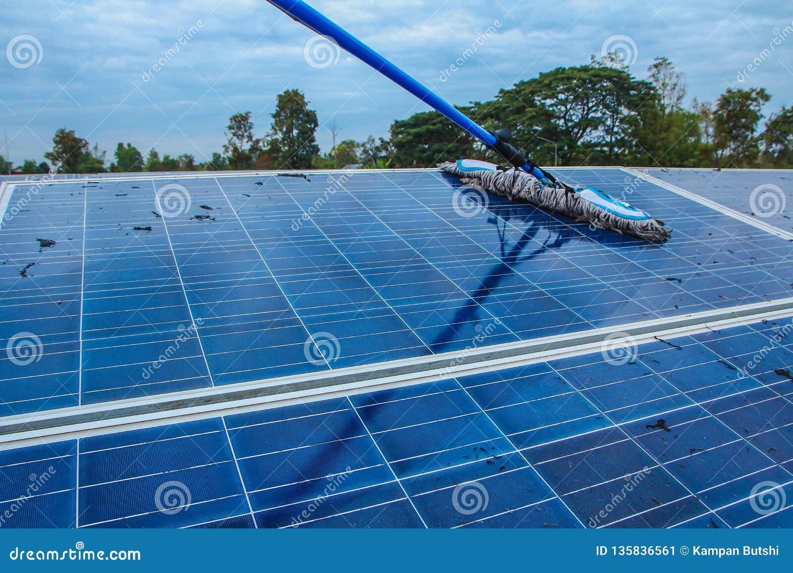 Panel słoneczny, alternatywny elektryczności źródło - pojęcie podtrzymywalni zasoby I to, jesteśmy nowym systemem który może wytw