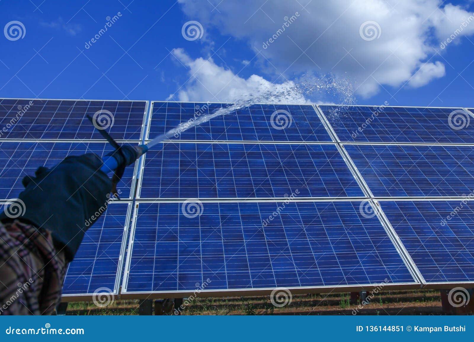 Panel słoneczny, alternatywny elektryczności źródło - pojęcie podtrzymywalni zasoby, To słońce tropi systemy, Czyści