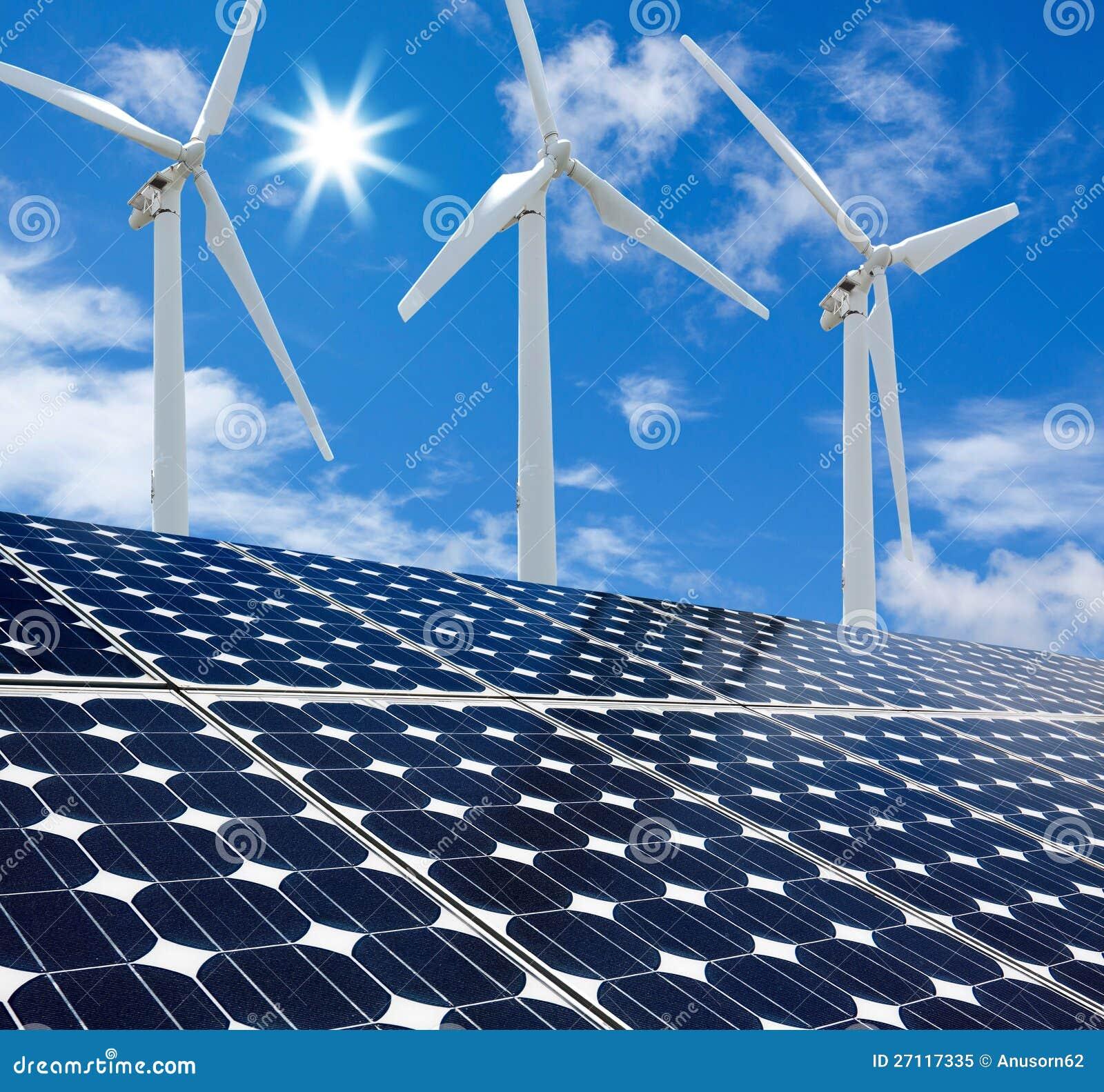 Panel słoneczny i Silnik Wiatrowy słoneczny dzień