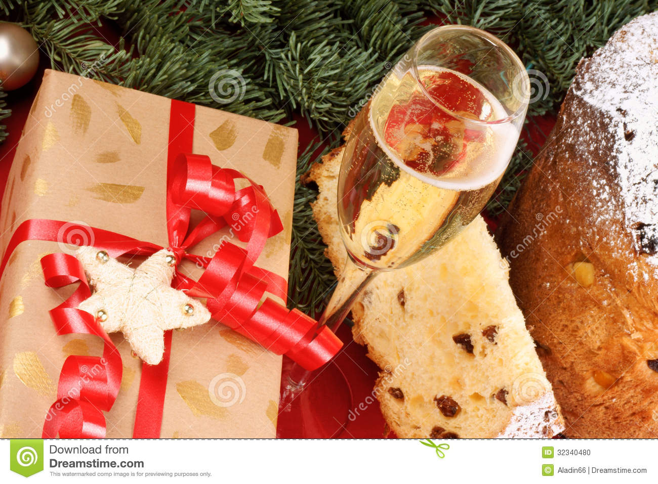 panettone and spumante the italian christmas tradition - Italian Christmas Traditions