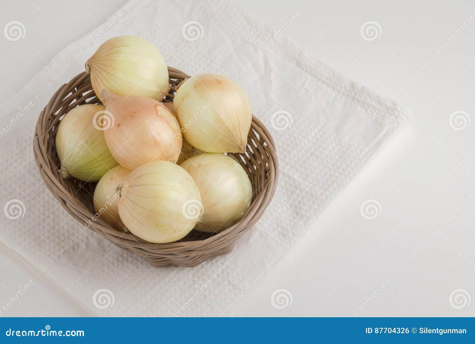 Panier d oignon blanc