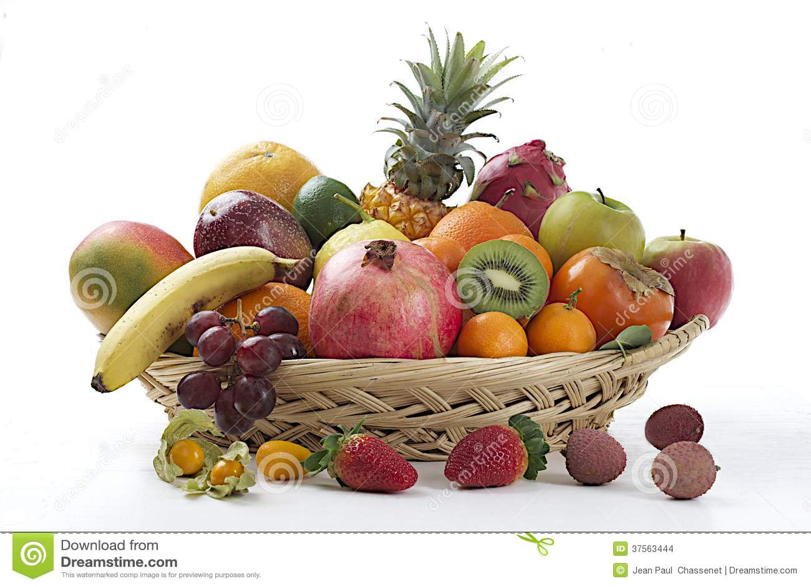 panier des fruits exotiques photo stock image du raisins. Black Bedroom Furniture Sets. Home Design Ideas