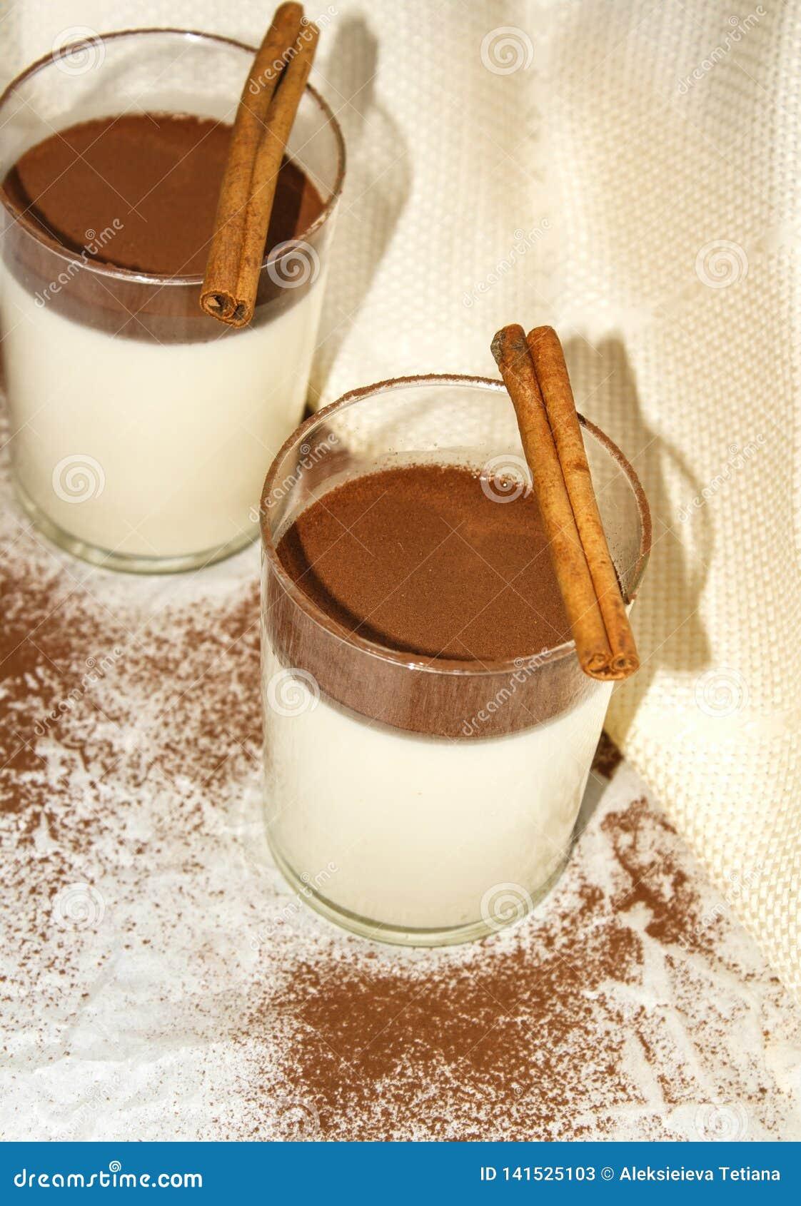 Panna cotta med cocaopulver