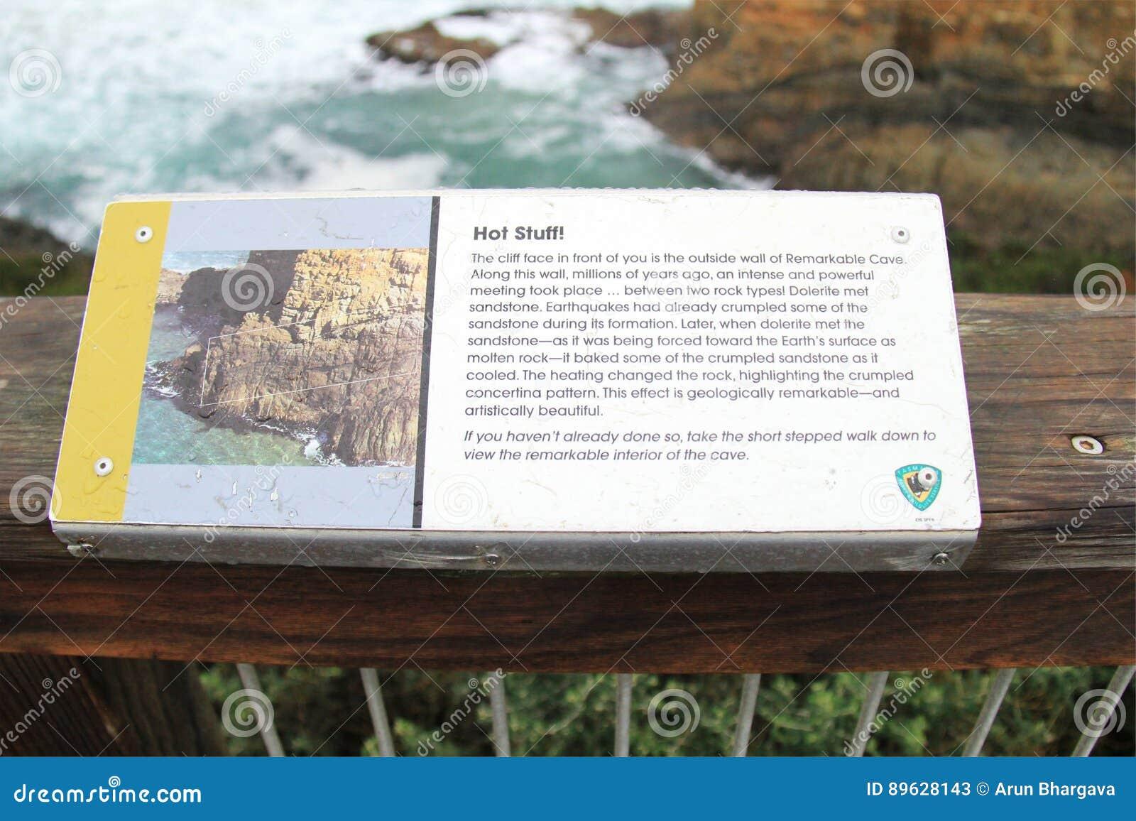 Panneau de l information de site remarquable de cavernes