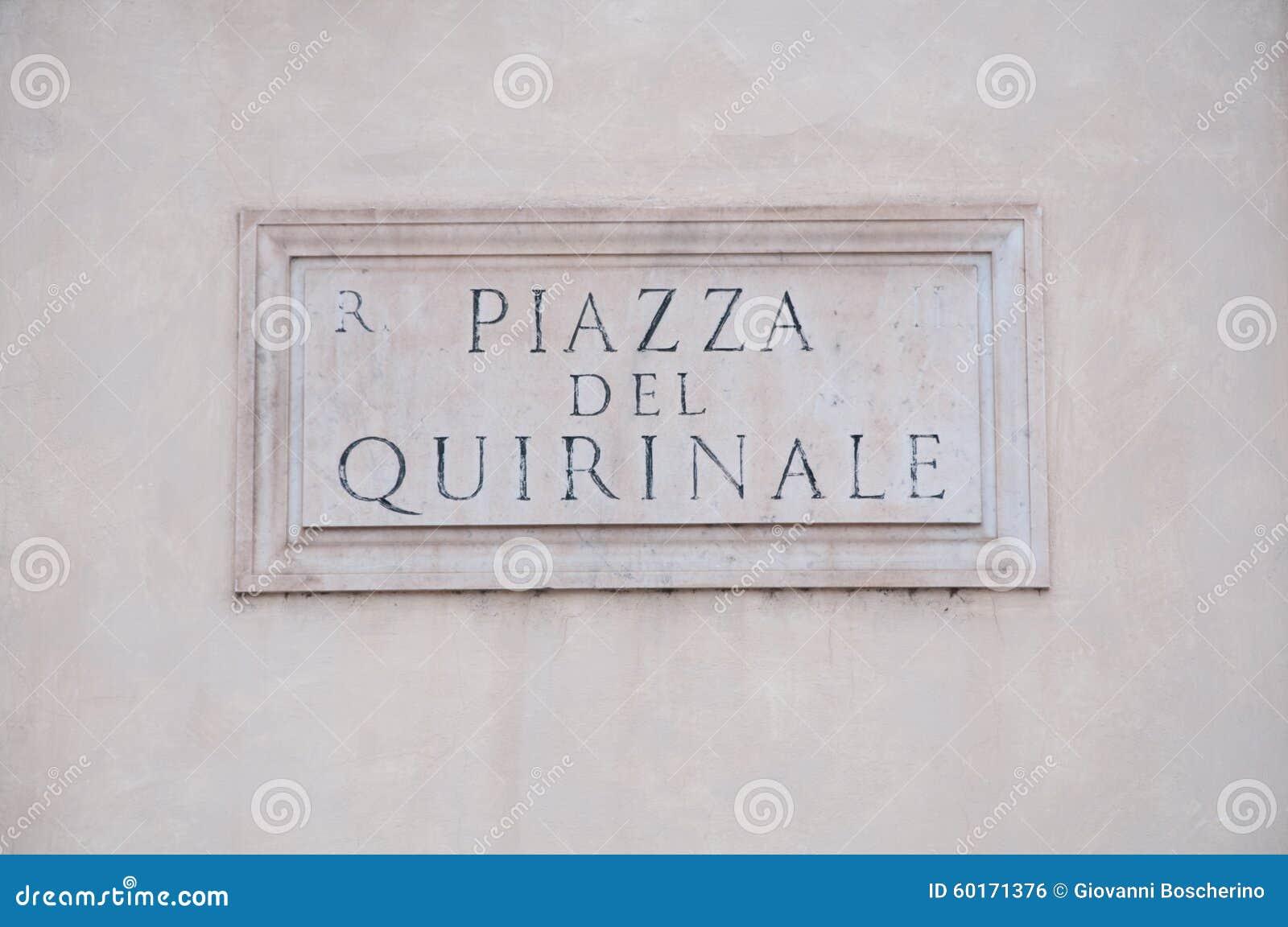 panneau routier indiquant un nom de rue en italien photo stock image 60171376. Black Bedroom Furniture Sets. Home Design Ideas