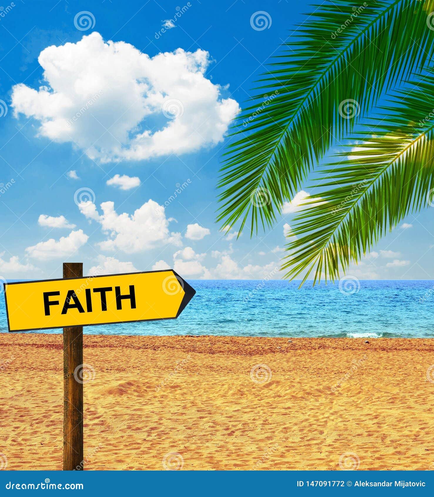 Panneau tropical de plage et de direction indiquant la FOI
