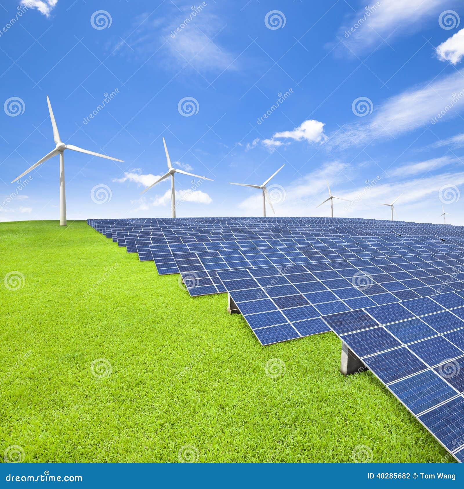 Panneaux et turbine de vent à énergie solaire