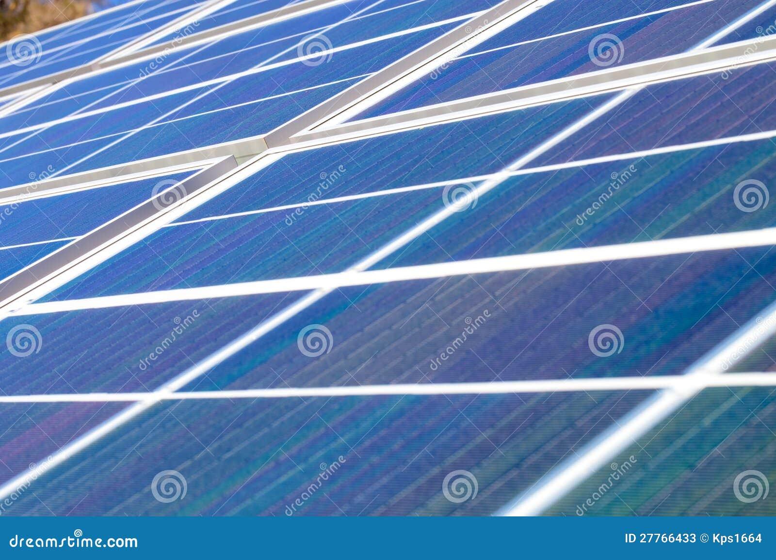 Panneaux solaires de pouvoir vert