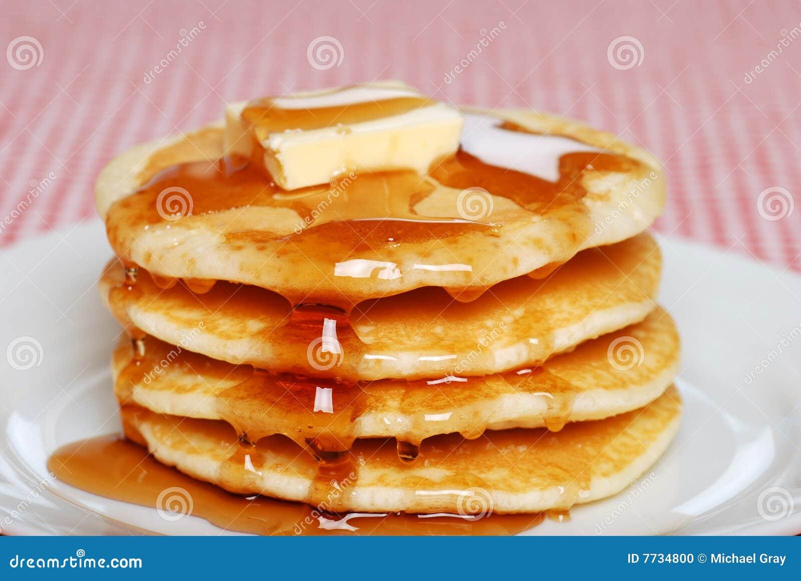 Pannekoeken met stroop en boter