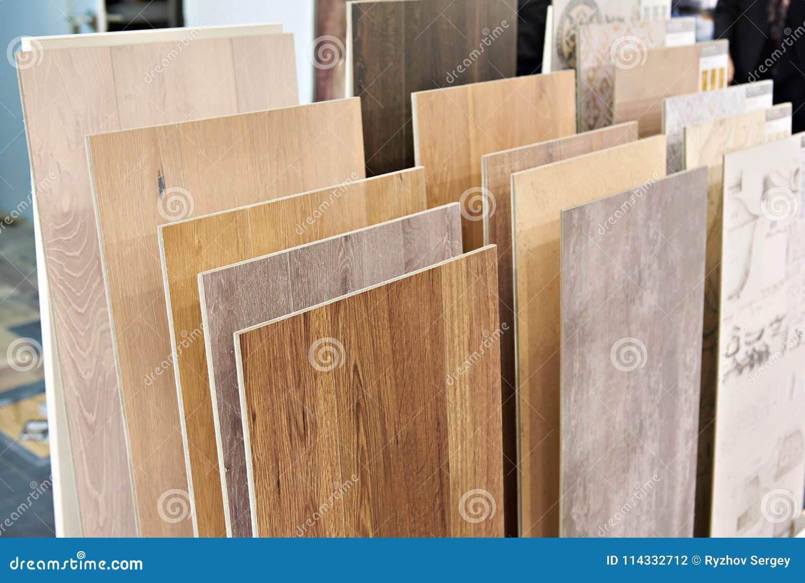 Decorazioni In Legno Per Pareti : Pannelli di legno decorativi per le pareti fotografia stock