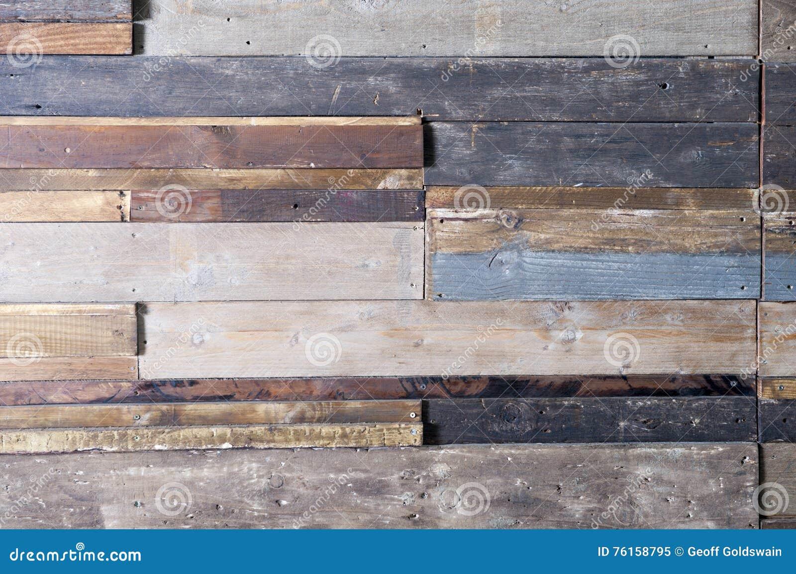 Colori Vernici Legno : Pannelli di legno strutturati con i vari colori immagine stock