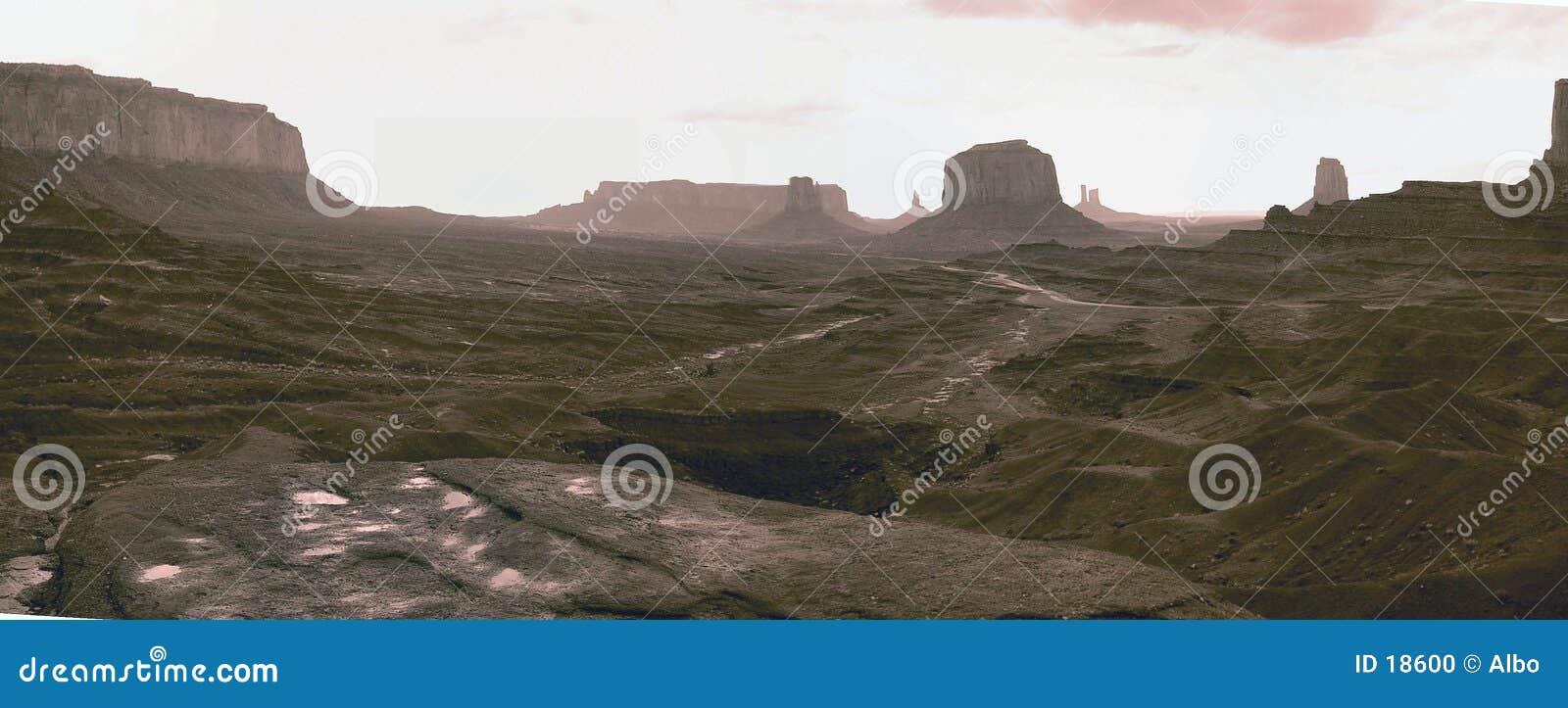 Pano del valle del monumento