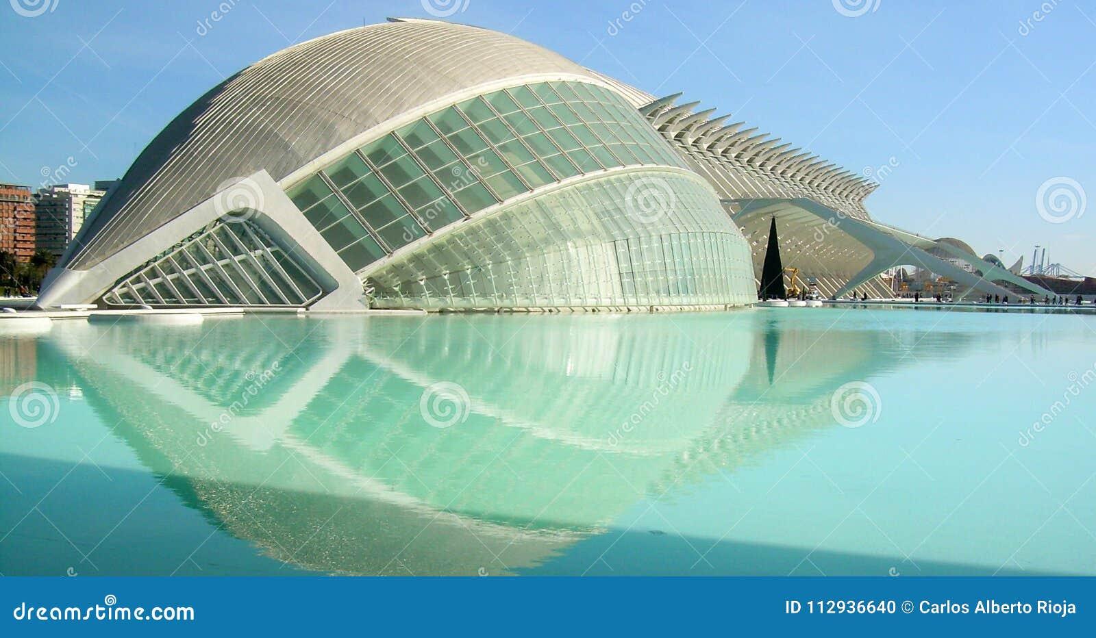 Panorámico de edificios en la ciudad de los artes de la ciencia