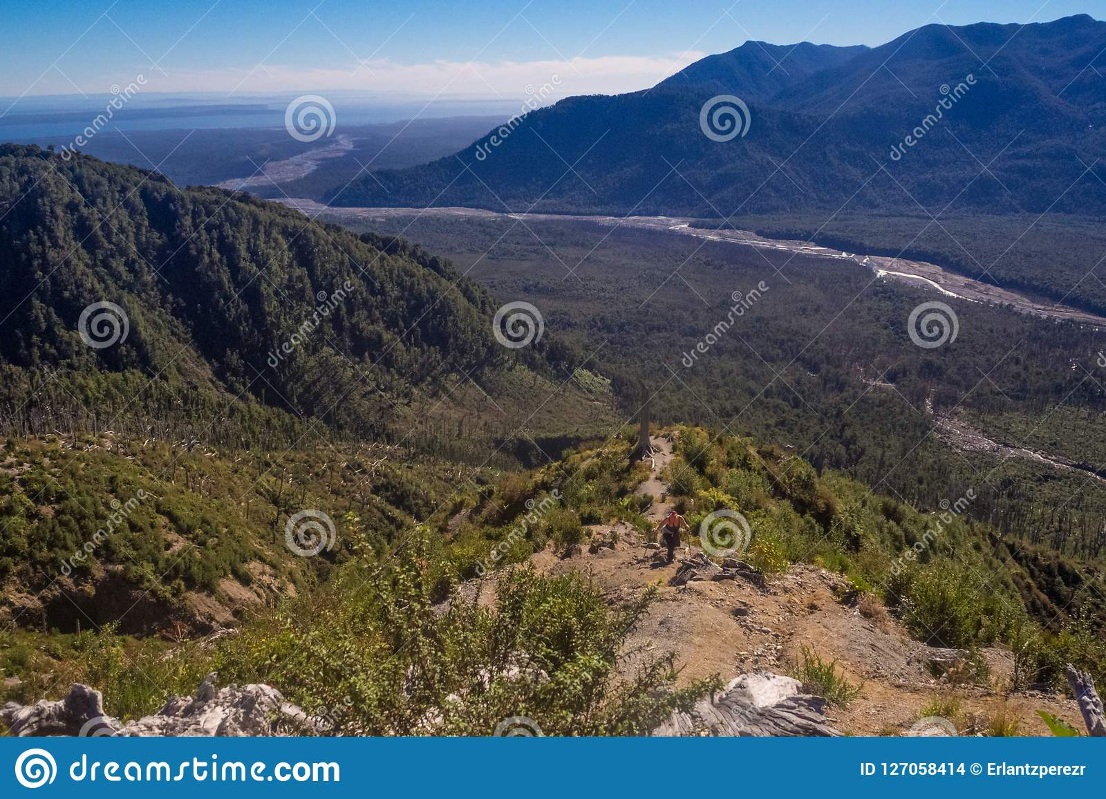 Panorâmico da parte superior do vulcão no patagonia, o Chile de Chaiten d