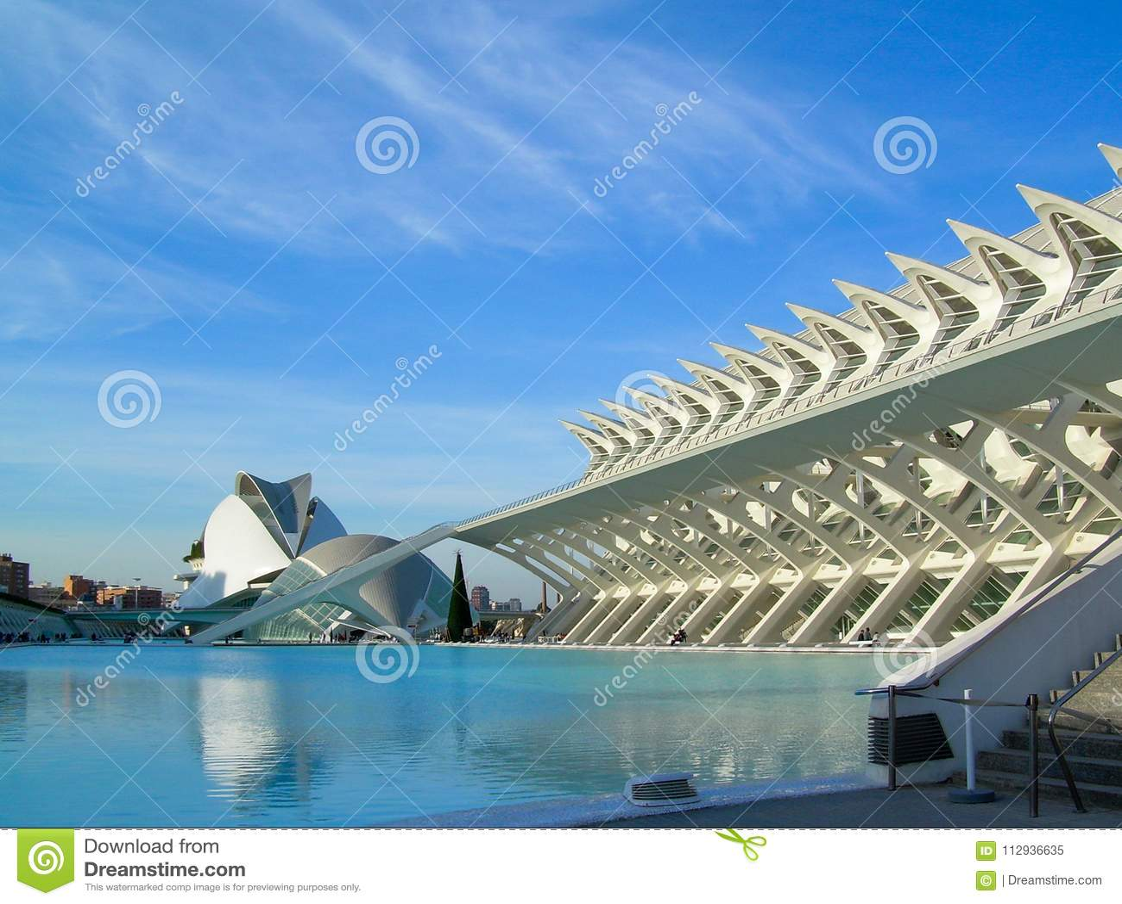 Panorâmico das construções na cidade das artes da ciência
