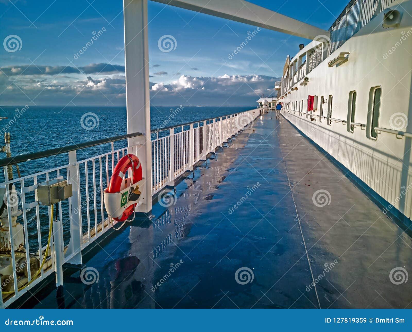 Panoram van Oostzee met cruise lainer