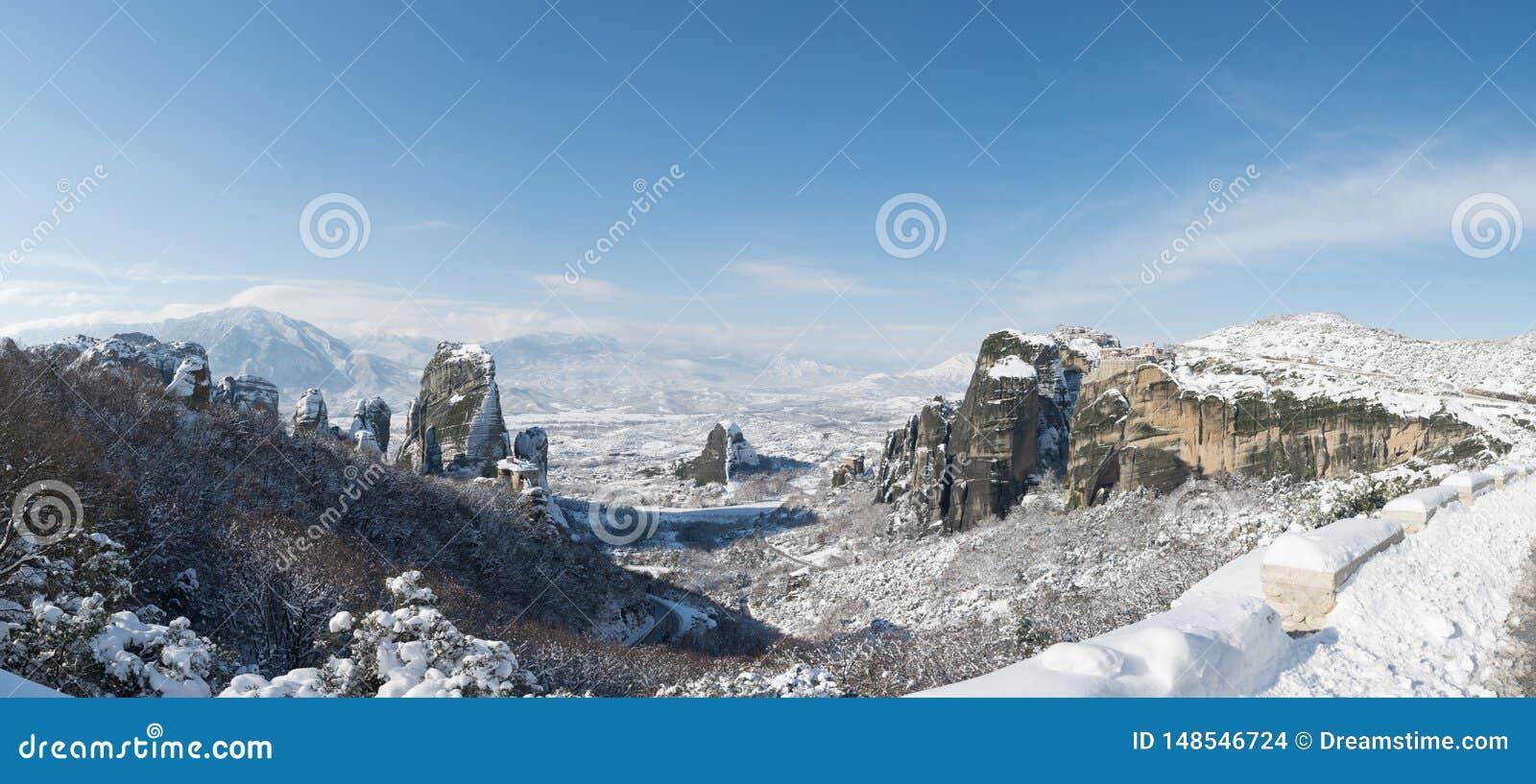 Panorama aan Meteora en kloosters