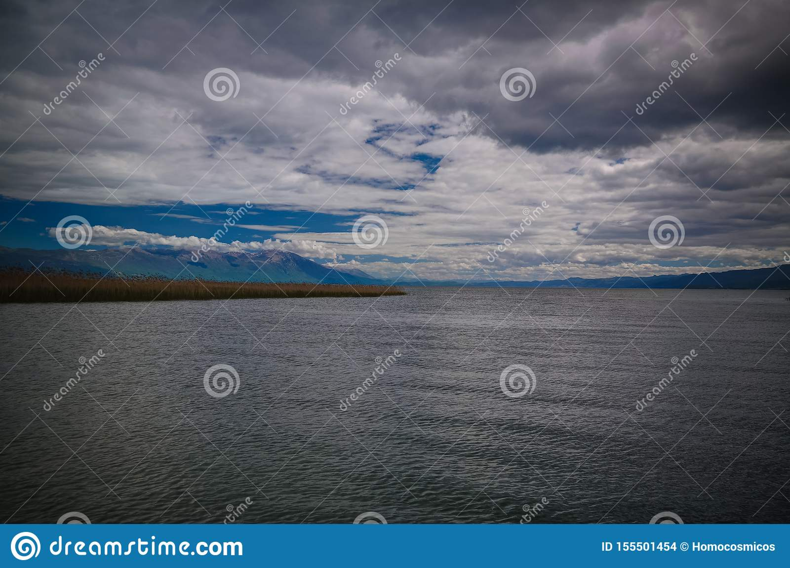 Panorama aan Ohrid-meer, Struga, Noord-Macedonië