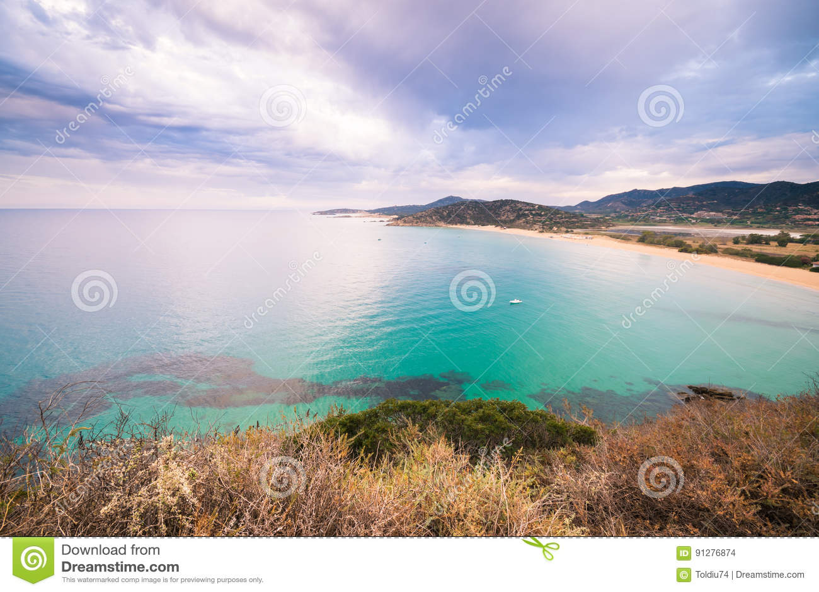 Panorama av den Chia kusten, Sardinia, Italien