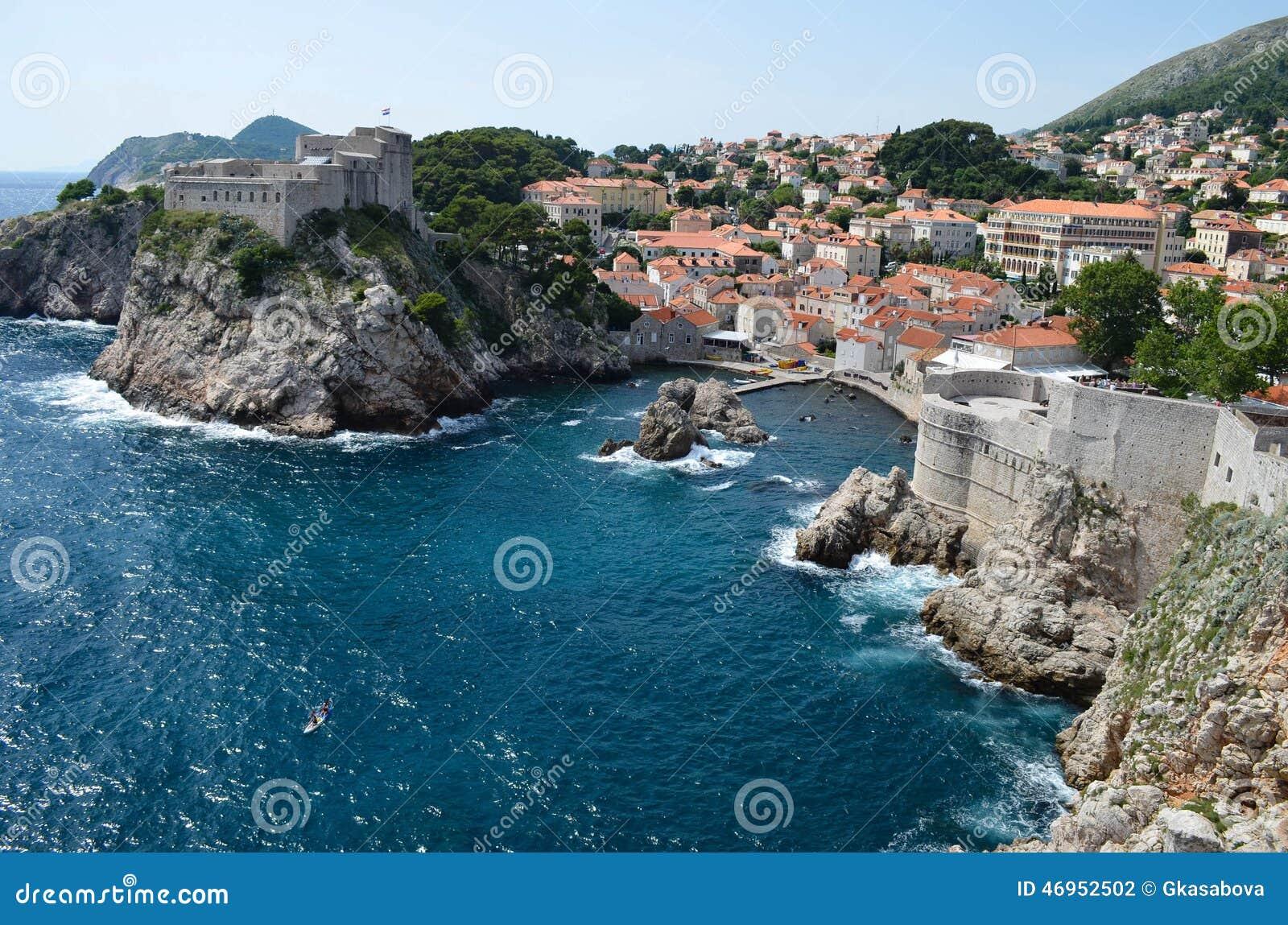 Panorama av Dubrovnik, härlig gammal stad i Kroatien, Europa