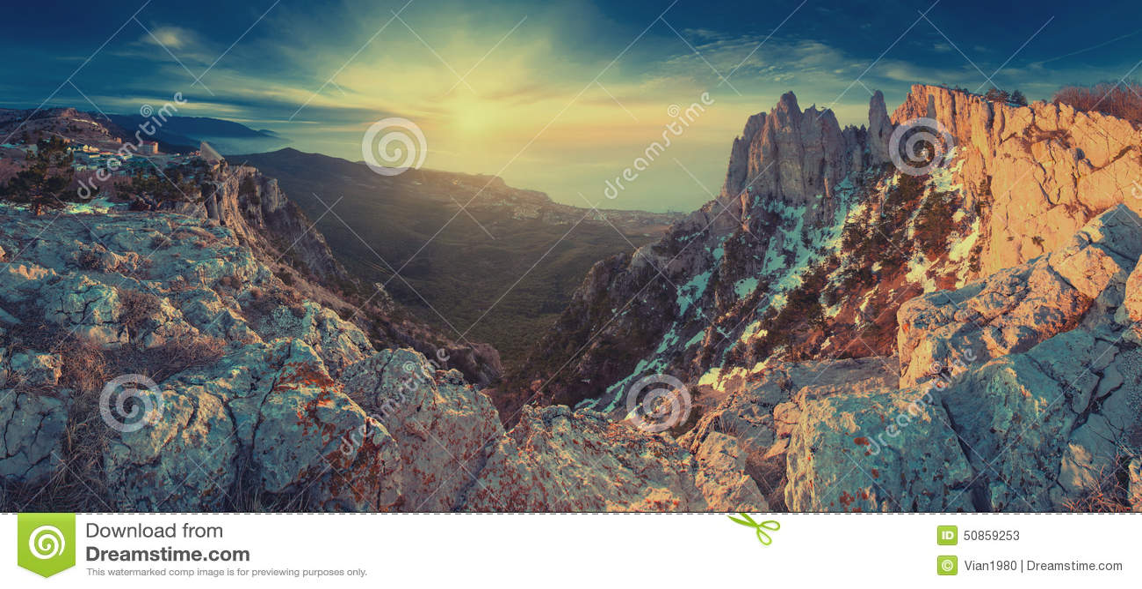 Panorama Ay-Petry