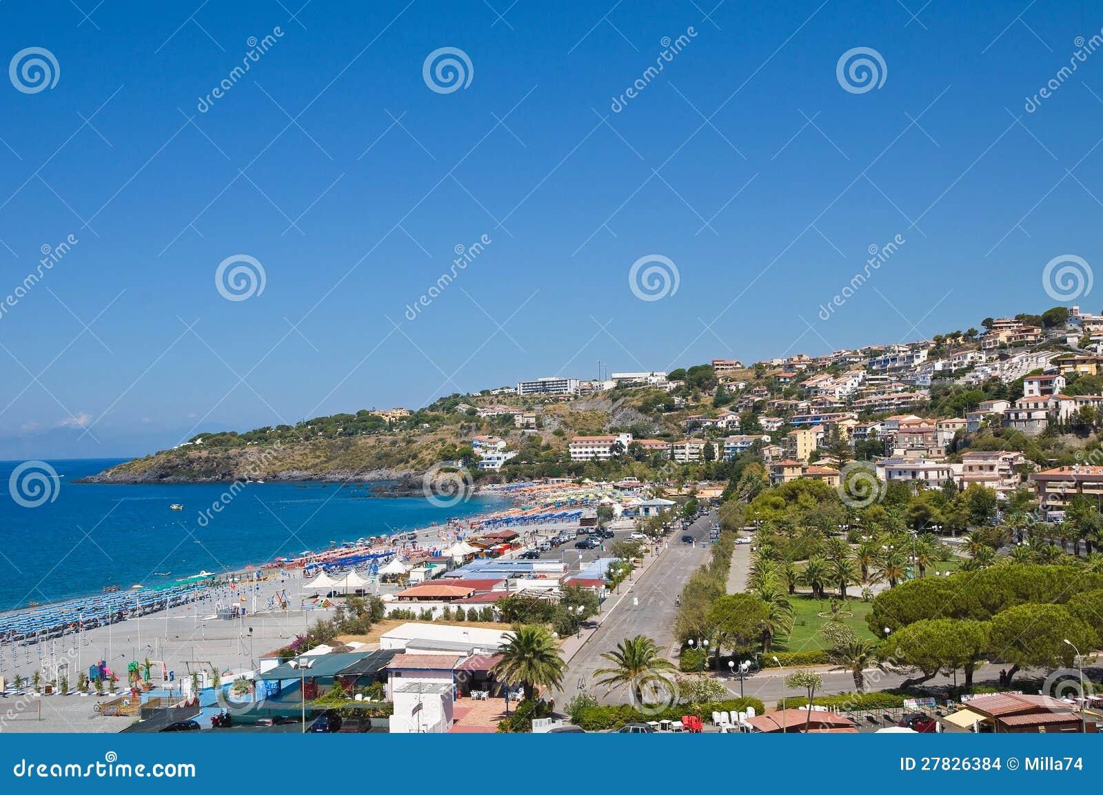 Panorama- beskåda av Scalea. Calabria. Italien.