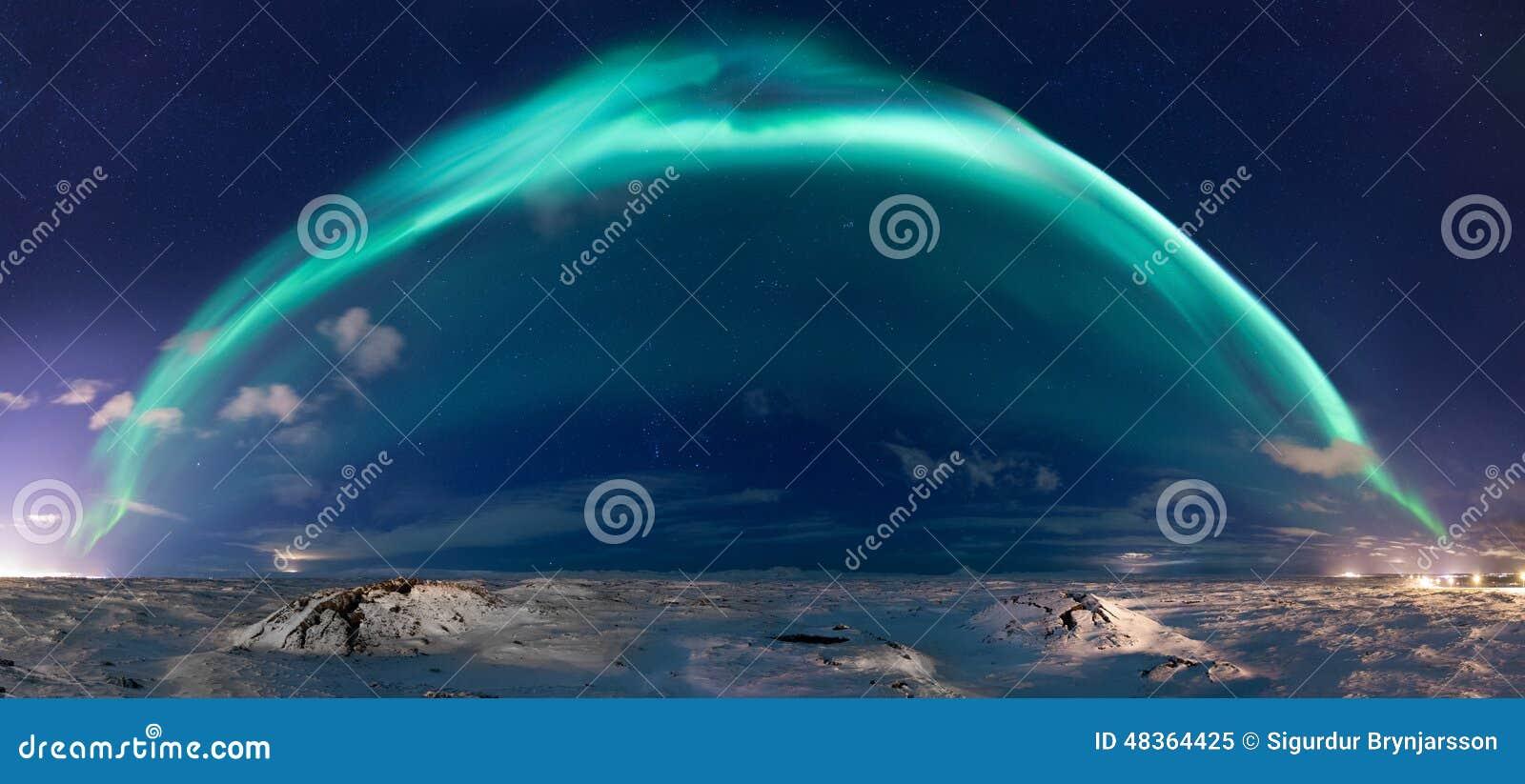 Panorama da aurora boreal