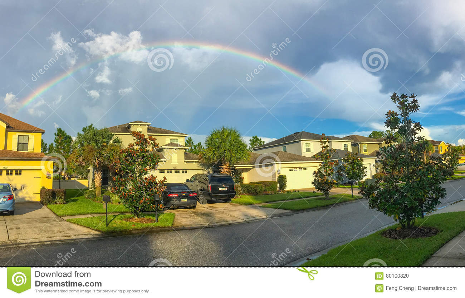 Panorama da casa e do arco-íris de Florida