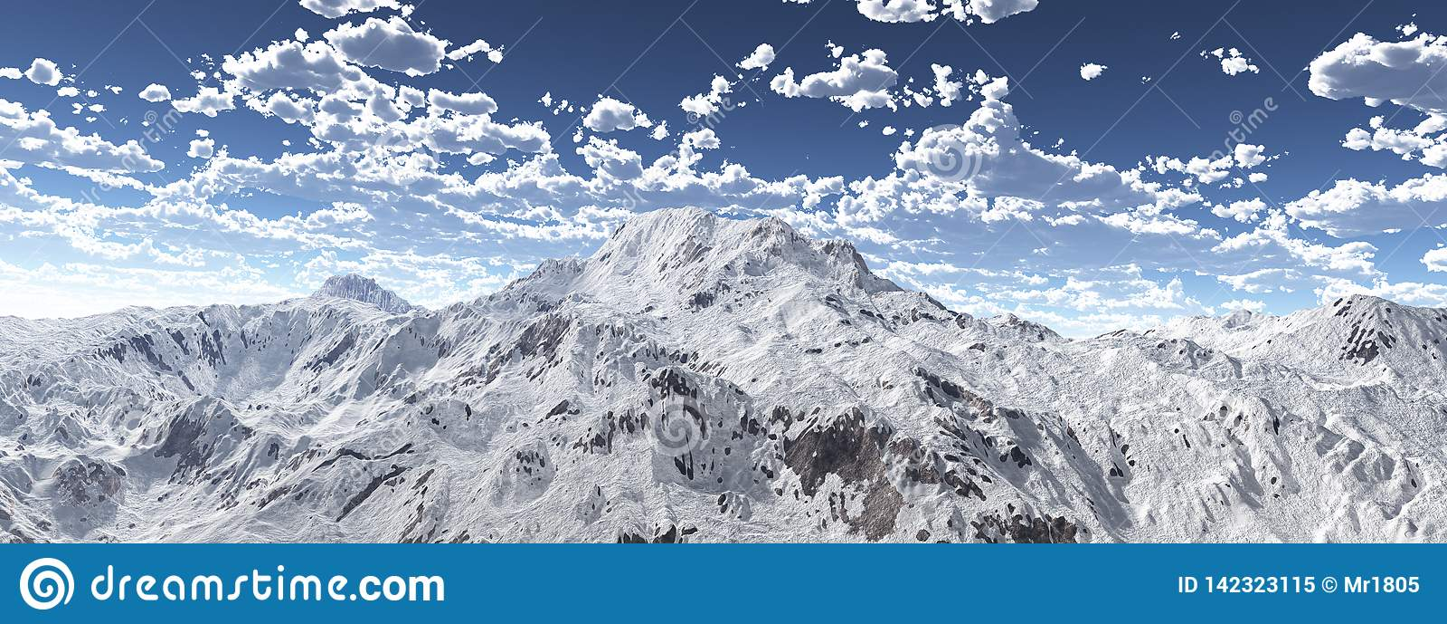 Panorama da montanha com um c?u nebuloso