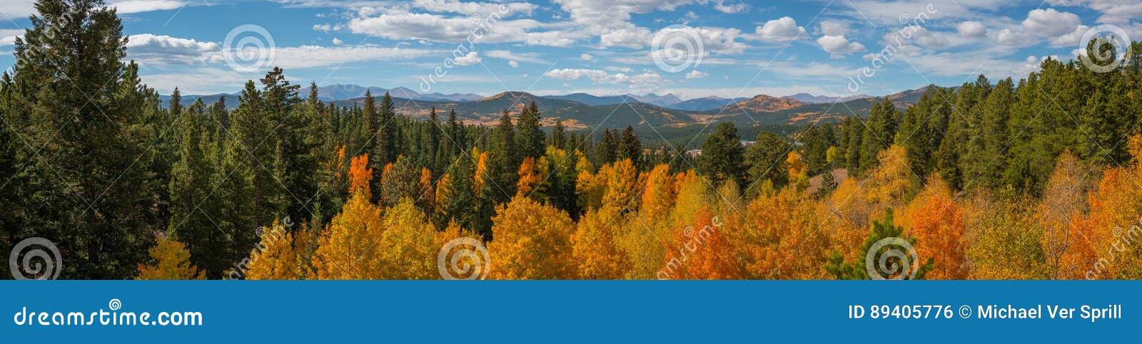 Panorama da paisagem de Colorado no outono
