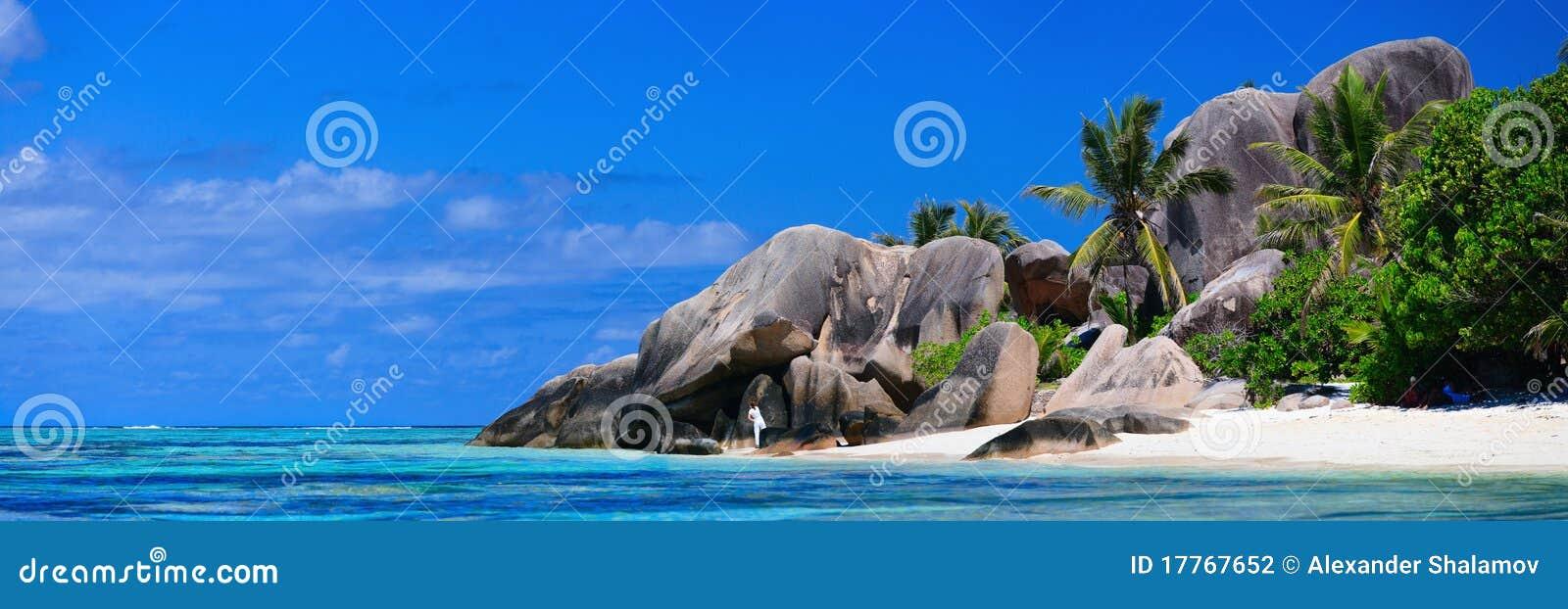 Panorama da praia de Seychelles