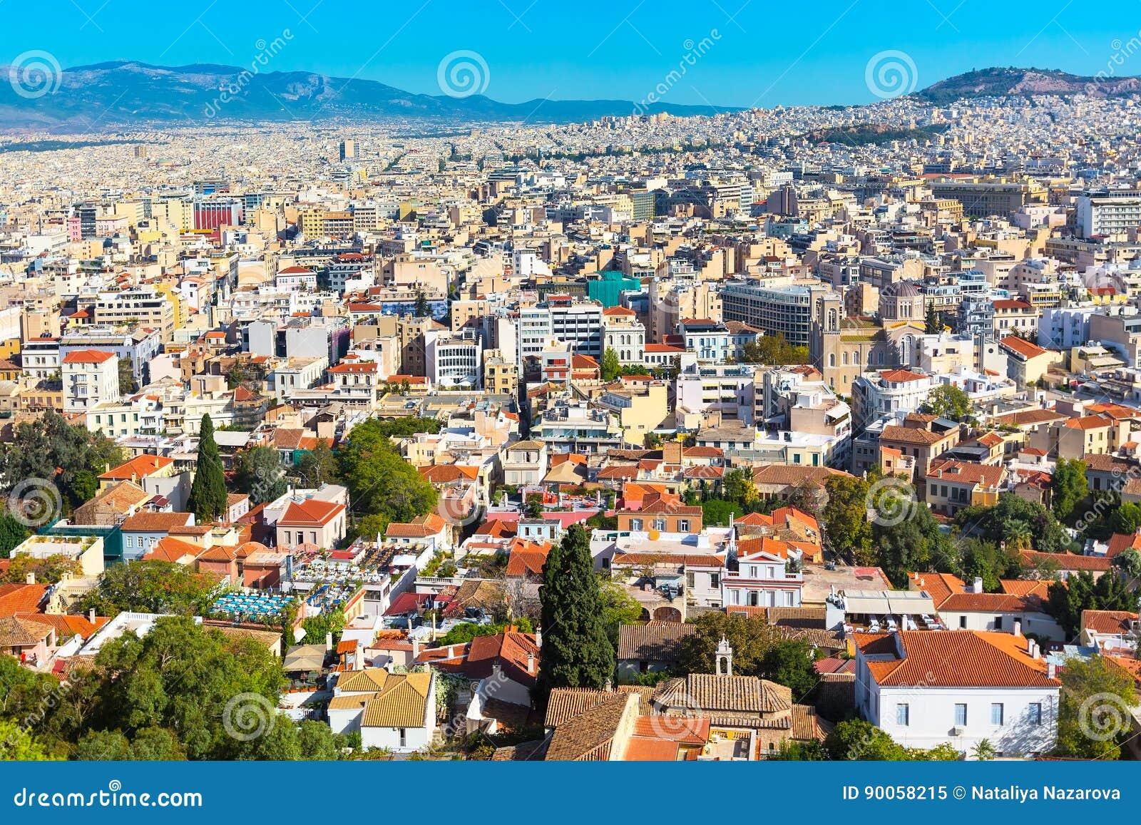 Panorama de Atenas, Grécia com casas e montes