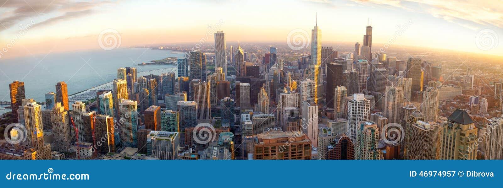 Panorama de Chicago au coucher du soleil