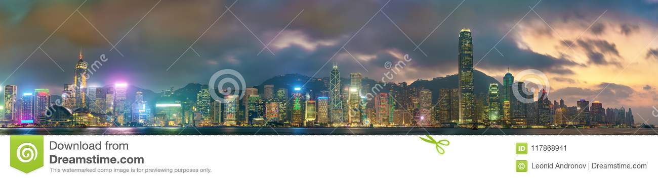 Panorama de Hong Kong Island por la tarde, China