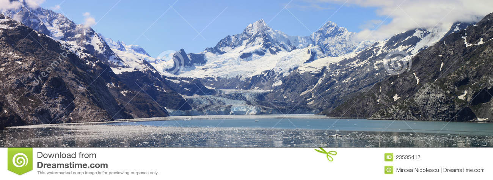 Panorama de la bahía de glaciar