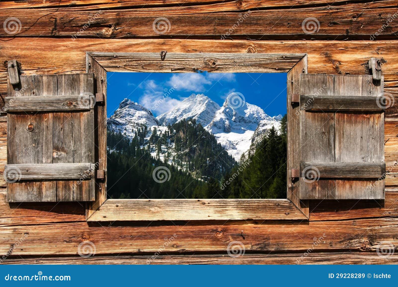 Download Panorama De Moutain Através De Um Indicador Imagem de Stock - Imagem de cabine, montanha: 29228289