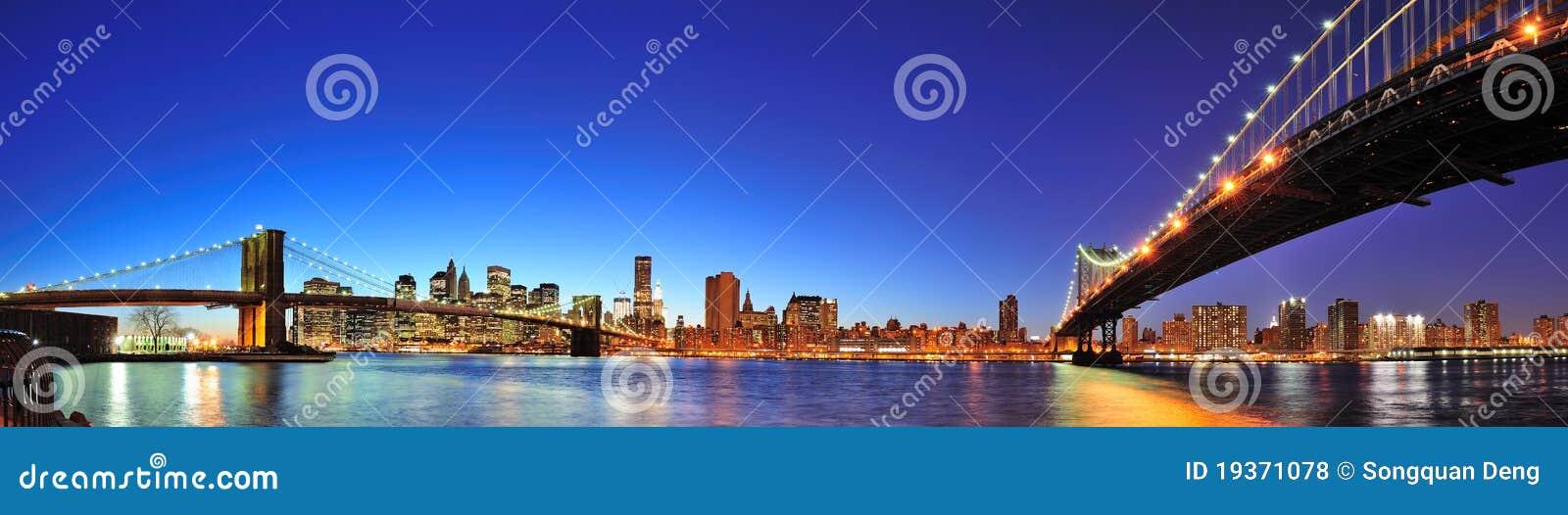 Panorama de New York City Manhattan no crepúsculo