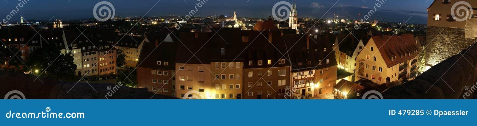 Panorama de nuit de Nuremberg