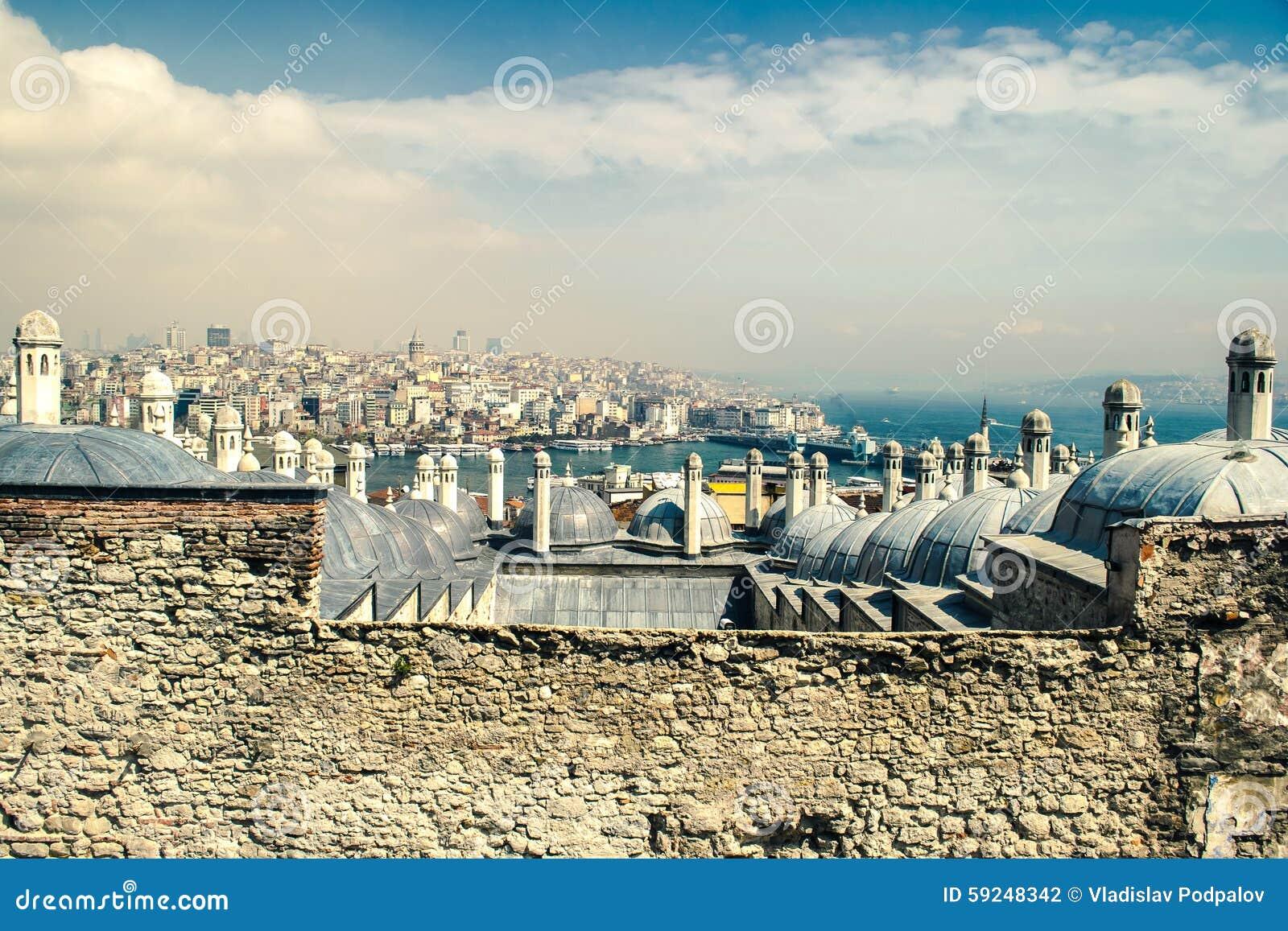 Panorama de oro del cuerno, de Bosphorus y de Galata