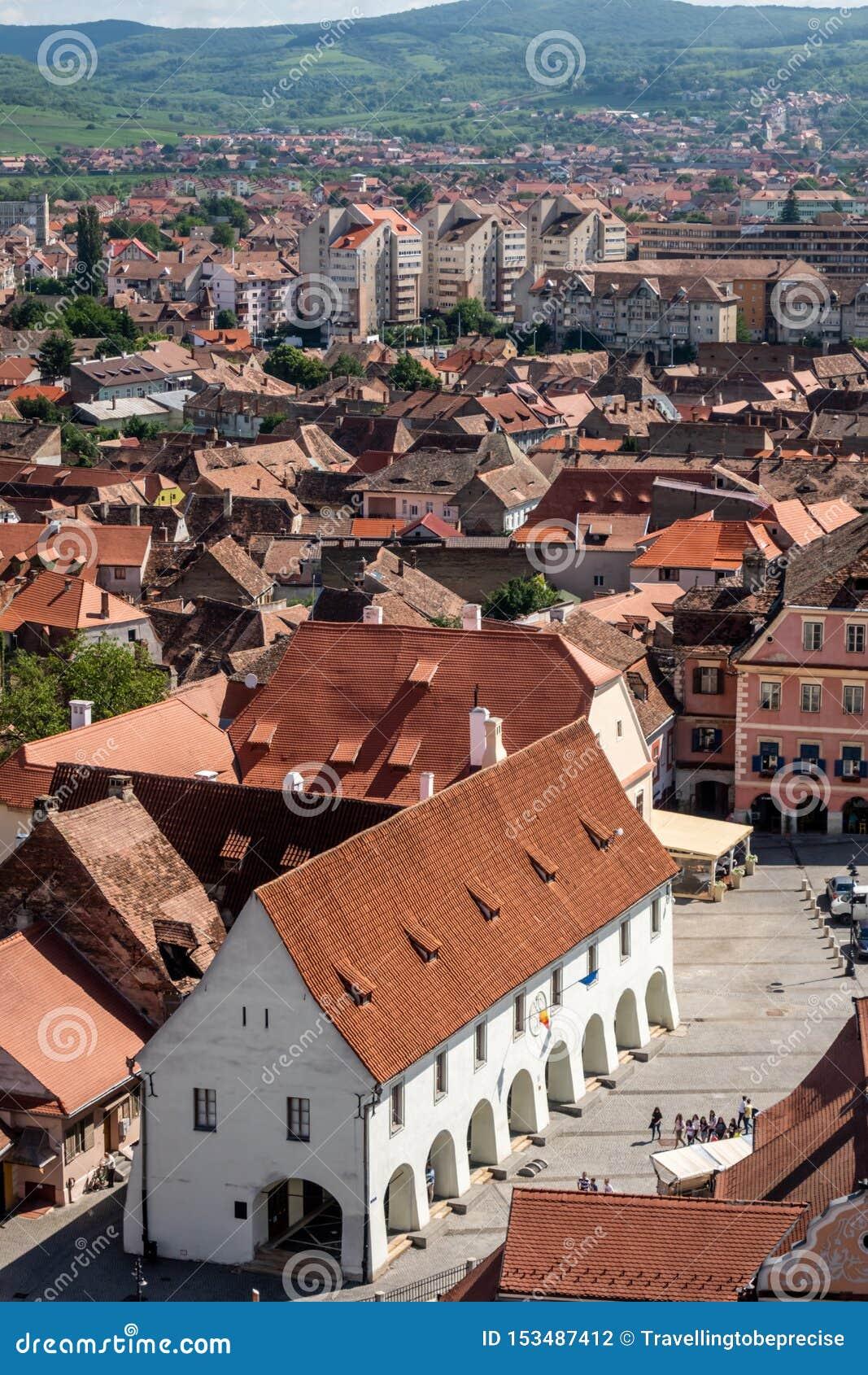Panorama de Sibiu, la Transylvanie, Roumanie, portée sur la guilde Hall de bouchers