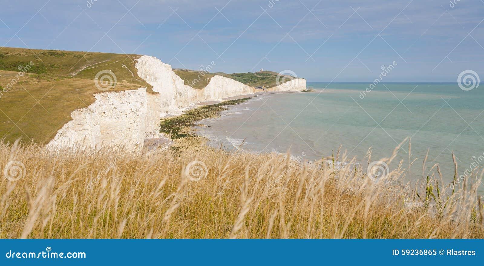 Download Panorama De Siete Acantilados De Las Hermanas Y Del Mar En Brighton, Sussex Imagen de archivo - Imagen de geología, llanuras: 59236865