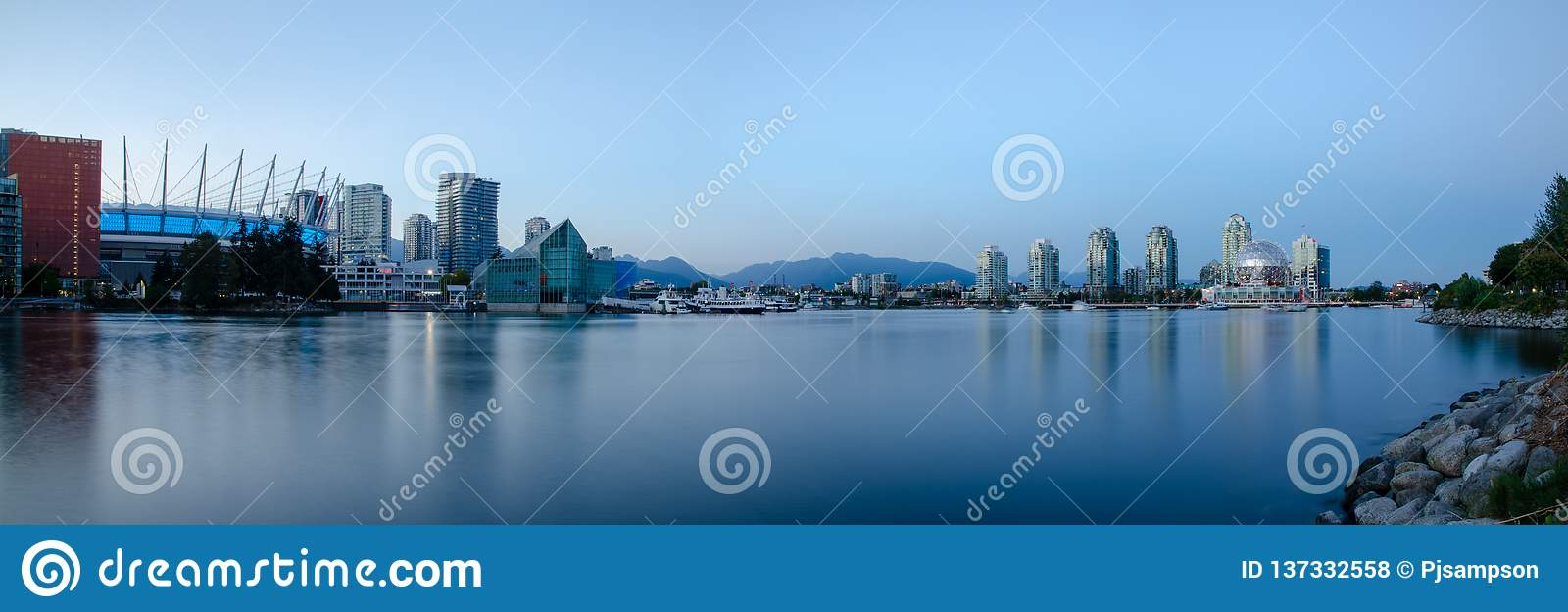 Panorama de Vancouver False Creek