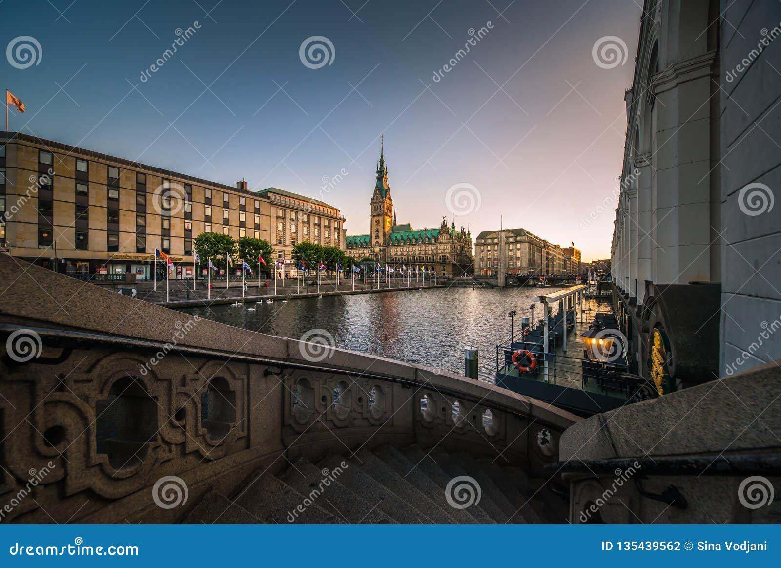 Panorama del ayuntamiento de Hamburgo Rathaus