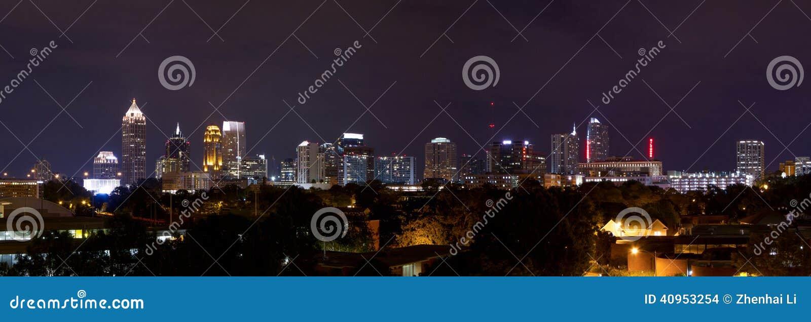 Panorama del centro di Atlanta alla notte
